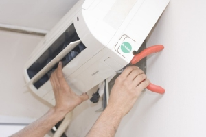 klimatyzator-klimatyzacja-montaz-kombinerki